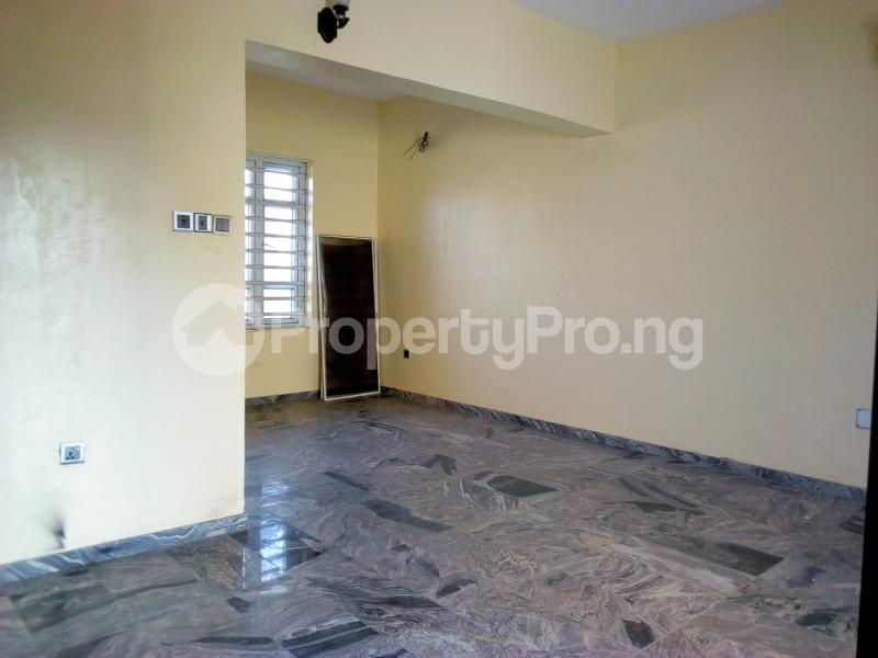 2 bedroom Flat / Apartment for sale Close to Domino's Pizza Ologolo Rd Lekki Phase 2 Lekki Lagos - 33