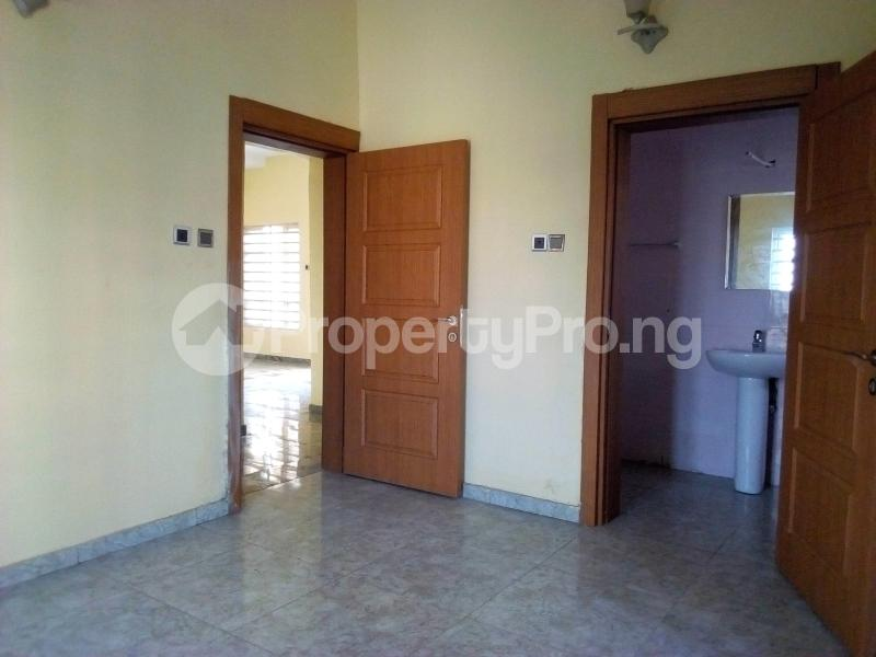 2 bedroom Flat / Apartment for sale Close to Domino's Pizza Ologolo Rd Lekki Phase 2 Lekki Lagos - 6