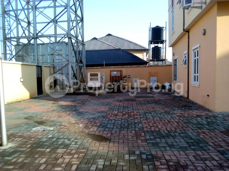 2 bedroom Flat / Apartment for sale Close to Domino's Pizza Ologolo Rd Lekki Phase 2 Lekki Lagos - 12