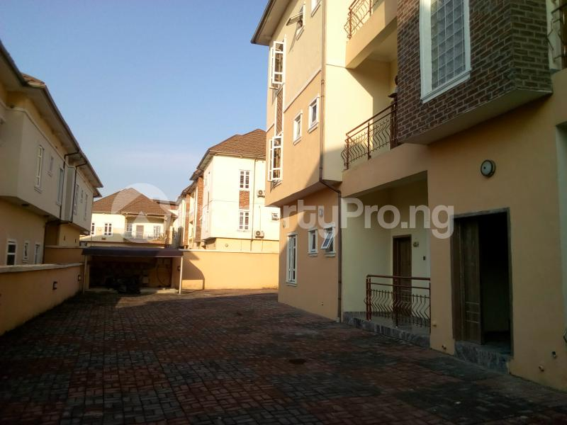 2 bedroom Flat / Apartment for sale Close to Domino's Pizza Ologolo Rd Lekki Phase 2 Lekki Lagos - 27