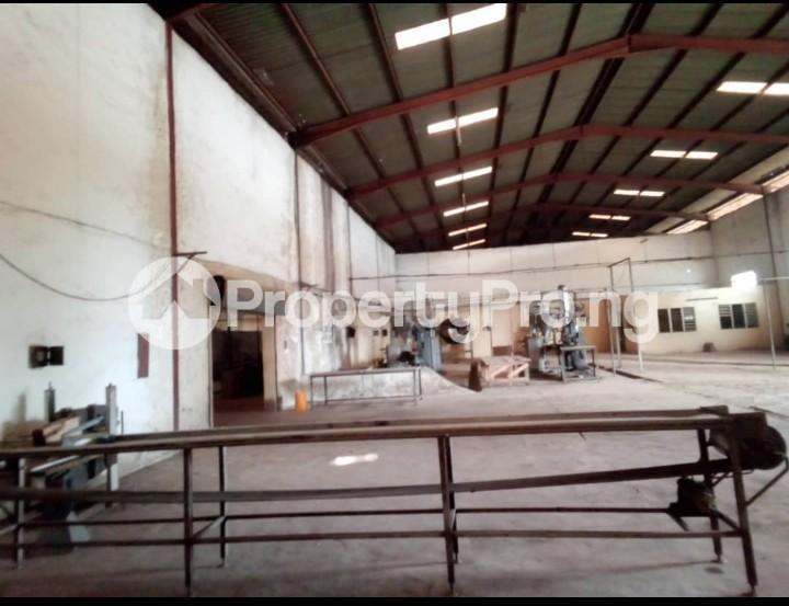 Warehouse Commercial Property for rent By estate busstop off Idiroko road (adjacent Federated Steel Mills) Idiroko Ado Odo/Ota Ogun - 0