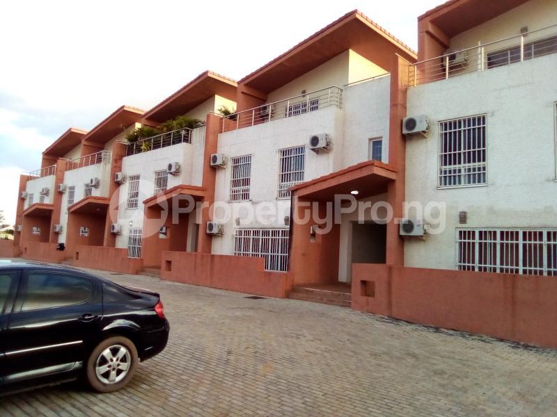 3 bedroom Flat / Apartment for rent Adamu Bako street, Katampe extension. Katampe Ext Abuja - 1