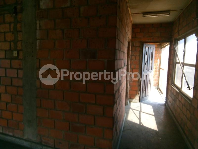 5 bedroom Office Space Commercial Property for rent 30, lkorodu road Jibowu Yaba Lagos - 3