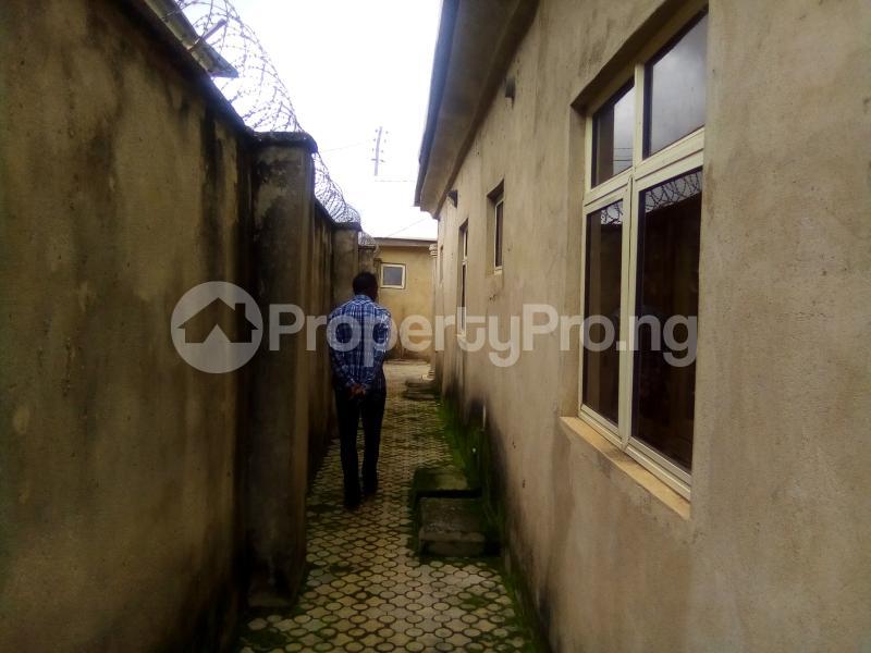 3 bedroom Detached Bungalow House for sale No.16 Makarfi EstTe Kaduna North Kaduna - 2