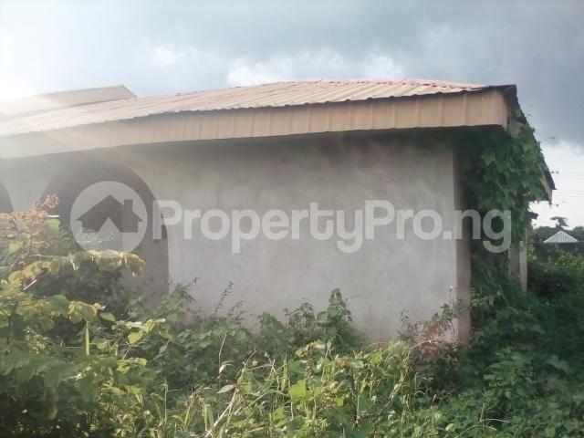 3 bedroom Semi Detached Bungalow House for sale Eleshinmeta, after Elere area Apata Ibadan Oyo - 3