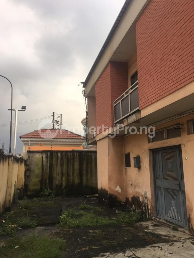 Flat / Apartment for sale Samshonibare Surulere Lagos - 2