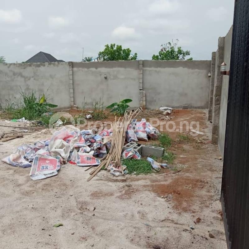 2 bedroom House for sale  Igboetche road off Rumukwurushi new layout Port Harcourt. Rumuokwurushi Port Harcourt Rivers - 0