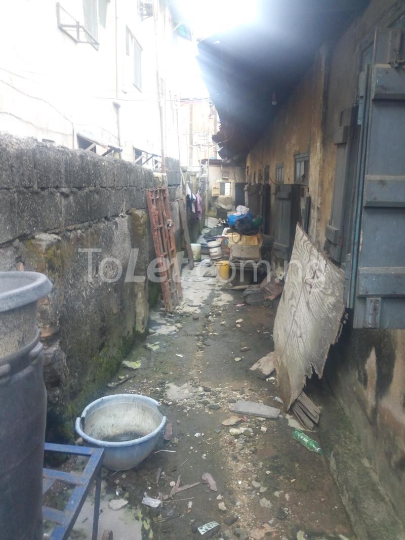 8 bedroom Detached Bungalow House for sale Ibadan street  Ebute Metta Yaba Lagos - 3