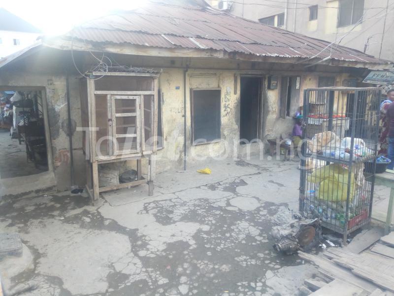8 bedroom Detached Bungalow House for sale Ibadan street  Ebute Metta Yaba Lagos - 4