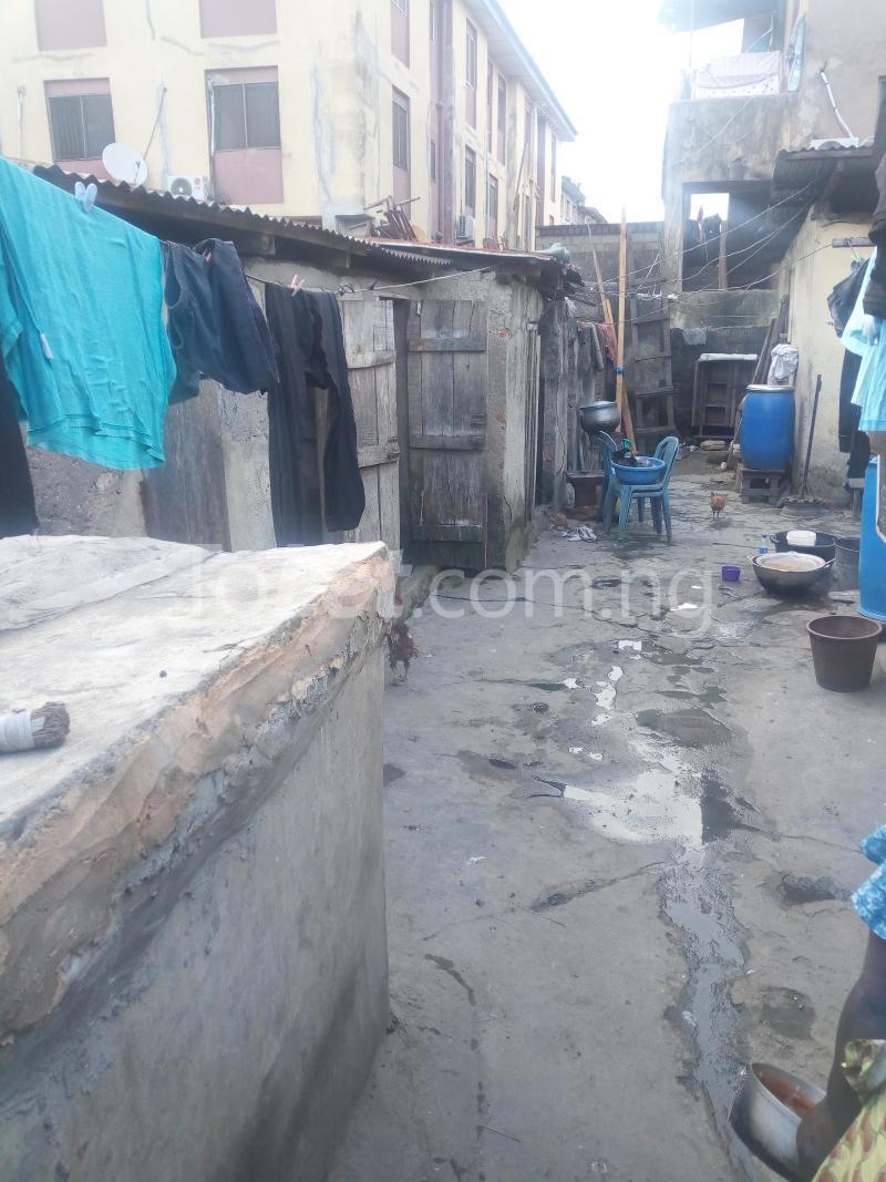 8 bedroom Detached Bungalow House for sale Ibadan street  Ebute Metta Yaba Lagos - 2