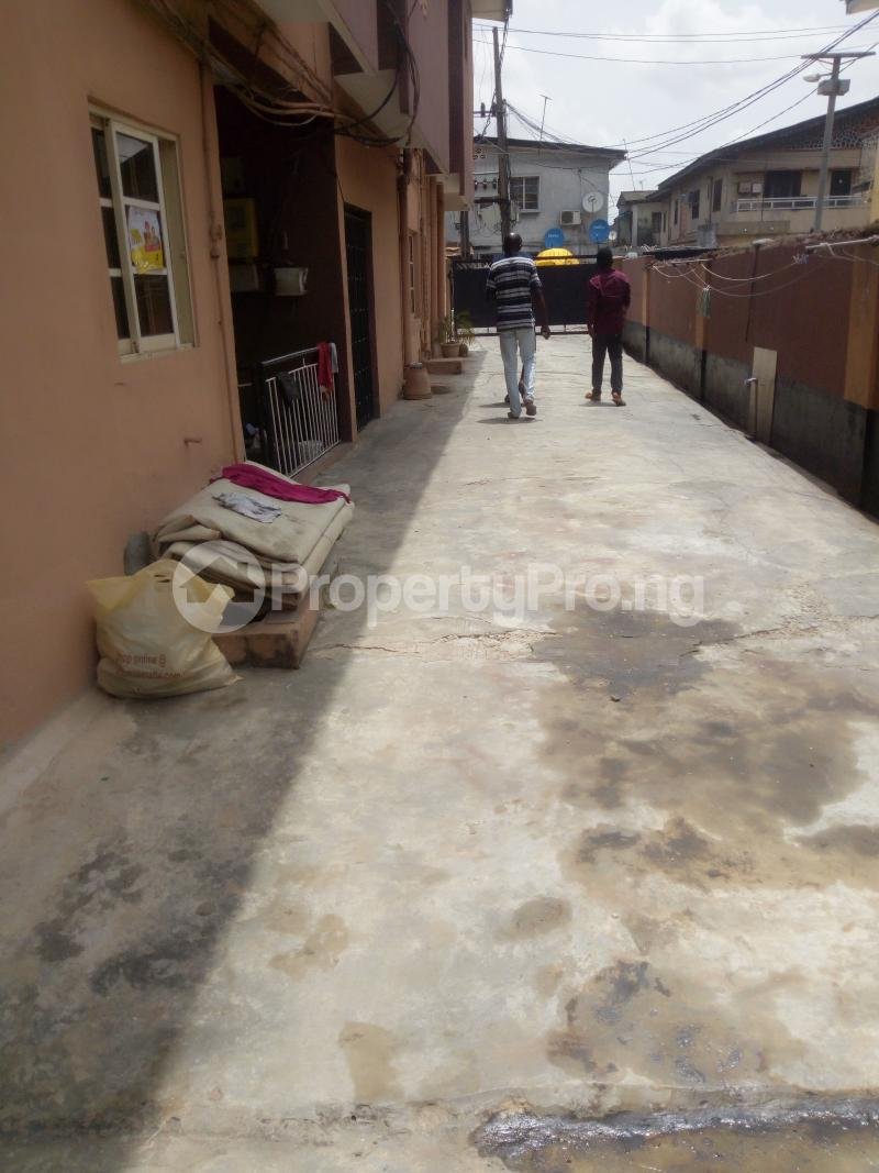 2 bedroom Flat / Apartment for rent - Itire Surulere Lagos - 0