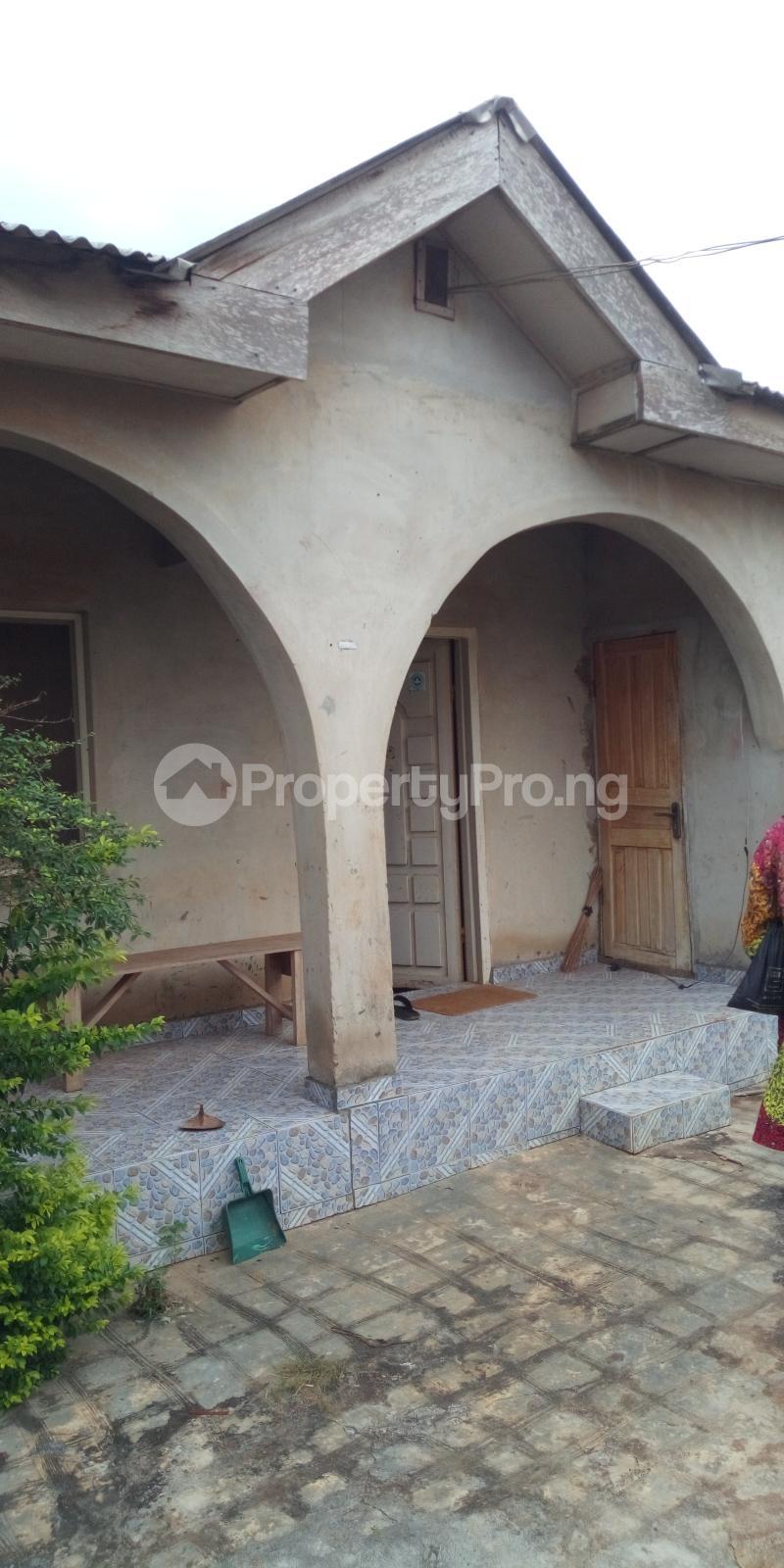 3 bedroom Detached Bungalow House for sale Kola command rd, Ipaja road Lagos  Ipaja road Ipaja Lagos - 3
