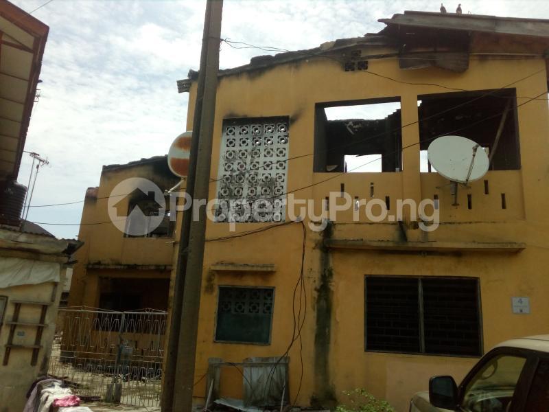 Blocks of Flats House for sale Off ogunlana drive  Ogunlana Surulere Lagos - 1