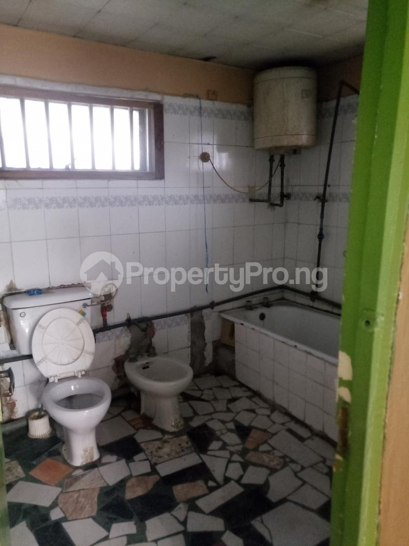 2 bedroom Flat / Apartment for rent Off Herbert Macaulay way Sabo Yaba Lagos - 6