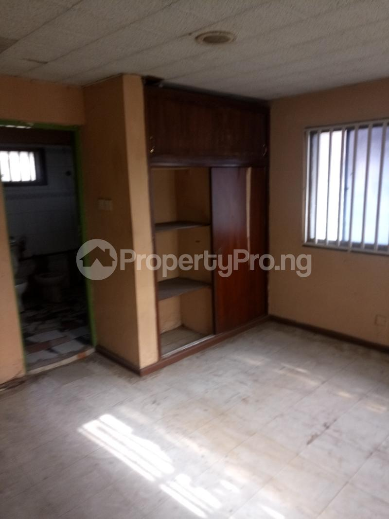 2 bedroom Flat / Apartment for rent Off Herbert Macaulay way Sabo Yaba Lagos - 2