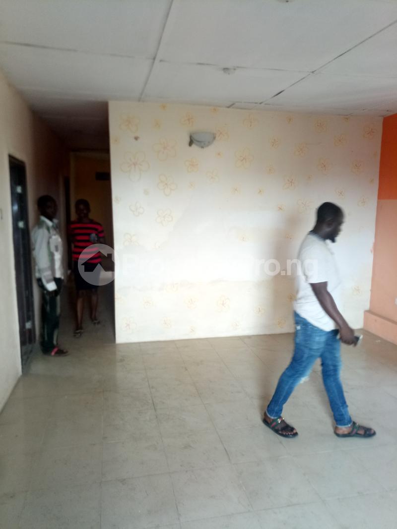 3 bedroom Flat / Apartment for rent Off Oworo Road Oworonshoki Gbagada Lagos - 2