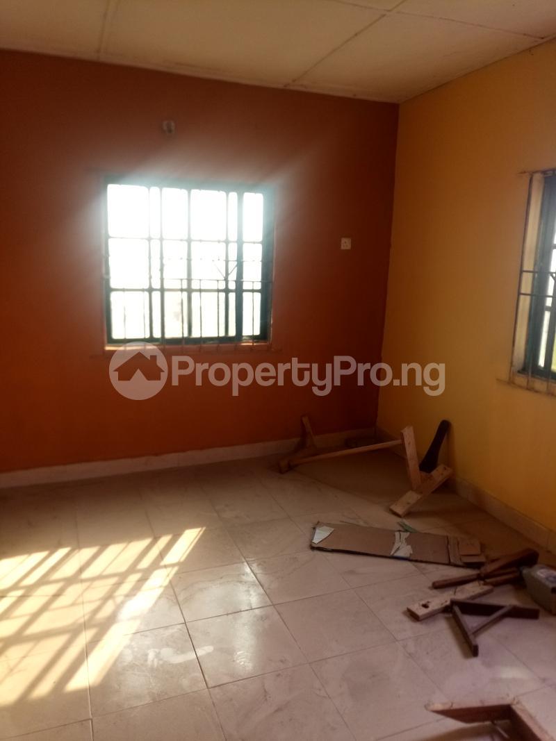 3 bedroom Flat / Apartment for rent Off Oworo Road Oworonshoki Gbagada Lagos - 3