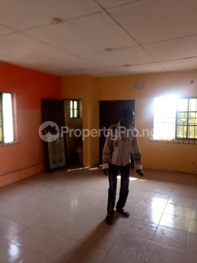 3 bedroom Flat / Apartment for rent Off Oworo Road Oworonshoki Gbagada Lagos - 0