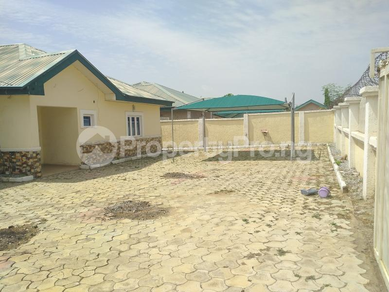 3 bedroom Detached Bungalow House for rent Volta's Street, Suncity Estate Galadinmawa Abuja - 11