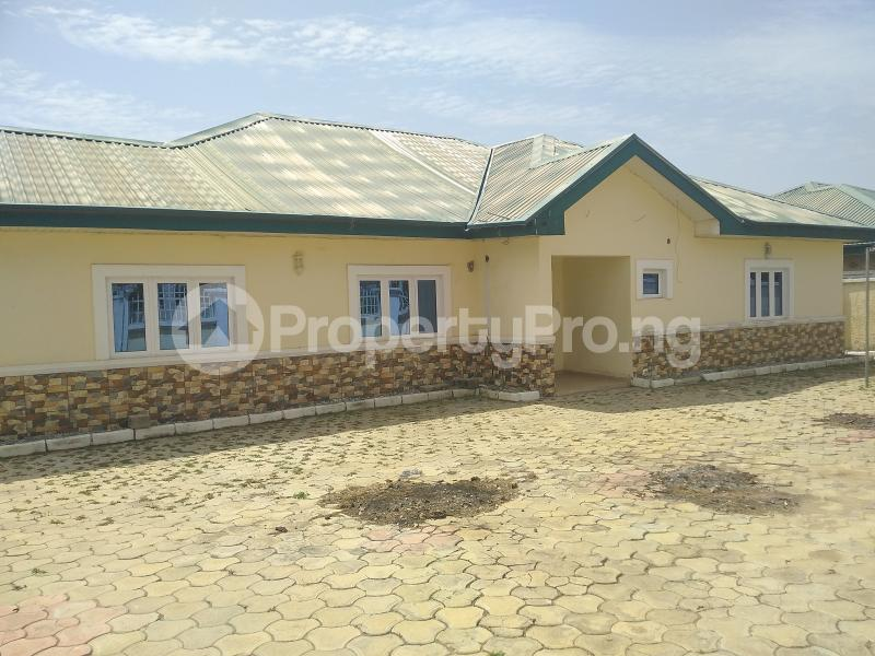 3 bedroom Detached Bungalow House for rent Volta's Street, Suncity Estate Galadinmawa Abuja - 9