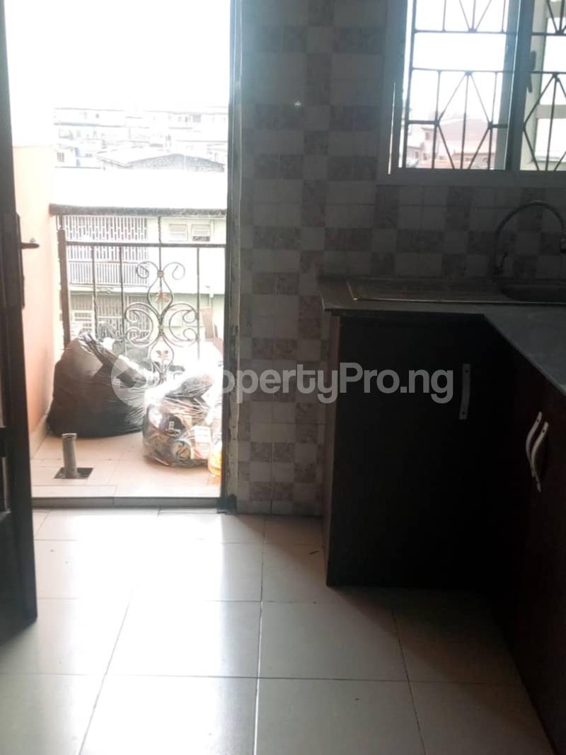 2 bedroom Blocks of Flats House for rent DENNIS CHURCH STREET Akoka Yaba Lagos - 9