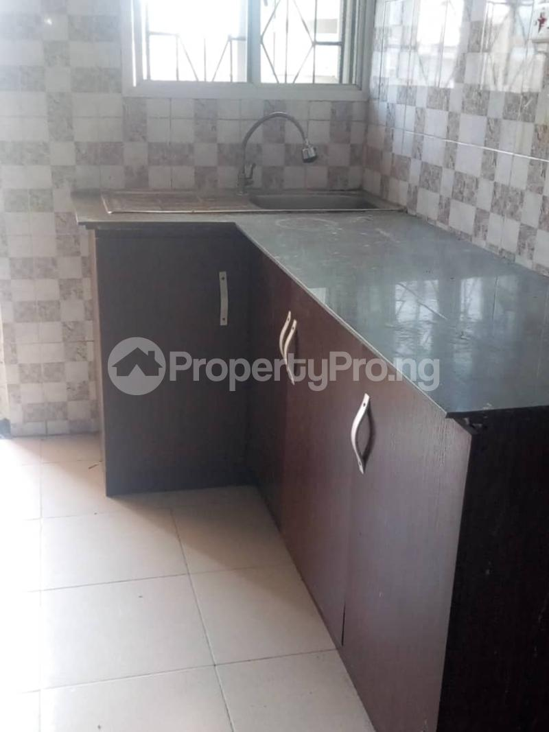 2 bedroom Blocks of Flats House for rent DENNIS CHURCH STREET Akoka Yaba Lagos - 5