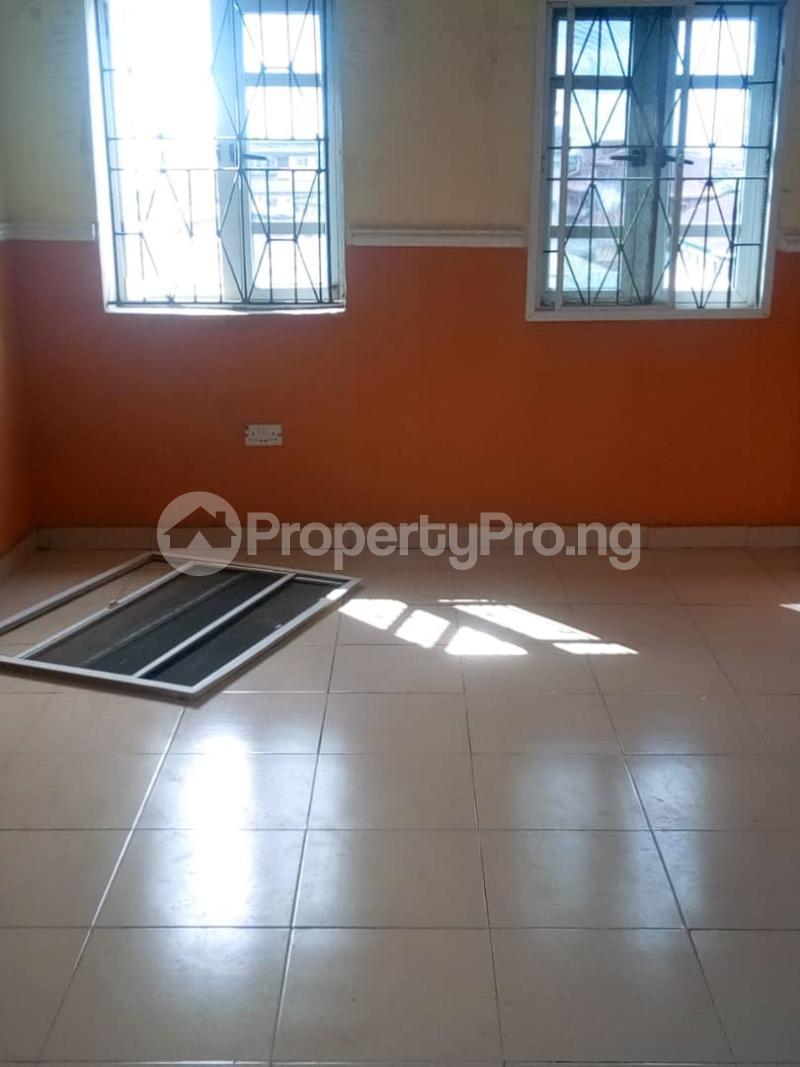 2 bedroom Blocks of Flats House for rent DENNIS CHURCH STREET Akoka Yaba Lagos - 7