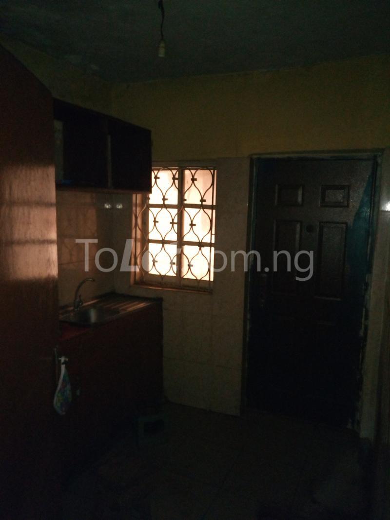 3 bedroom Flat / Apartment for rent Off Bajulaiye Road Shomolu Shomolu Lagos - 2