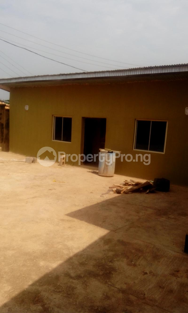 1 bedroom mini flat  House for rent ireakari estate Akala Express Ibadan Oyo - 6