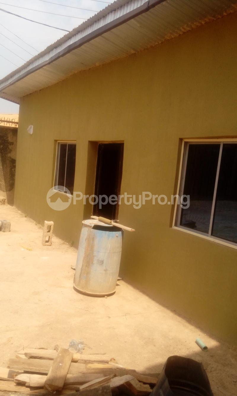 1 bedroom mini flat  House for rent ireakari estate Akala Express Ibadan Oyo - 0