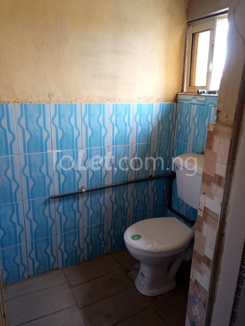 1 bedroom mini flat  Flat / Apartment for rent Odunsi Bariga Shomolu Lagos - 3