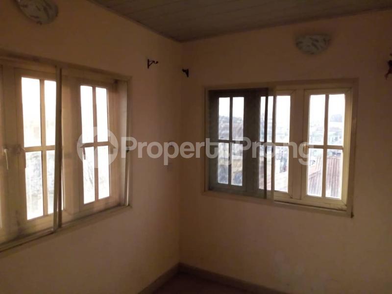 3 bedroom Flat / Apartment for rent Apata Shomolu Shomolu Lagos - 3