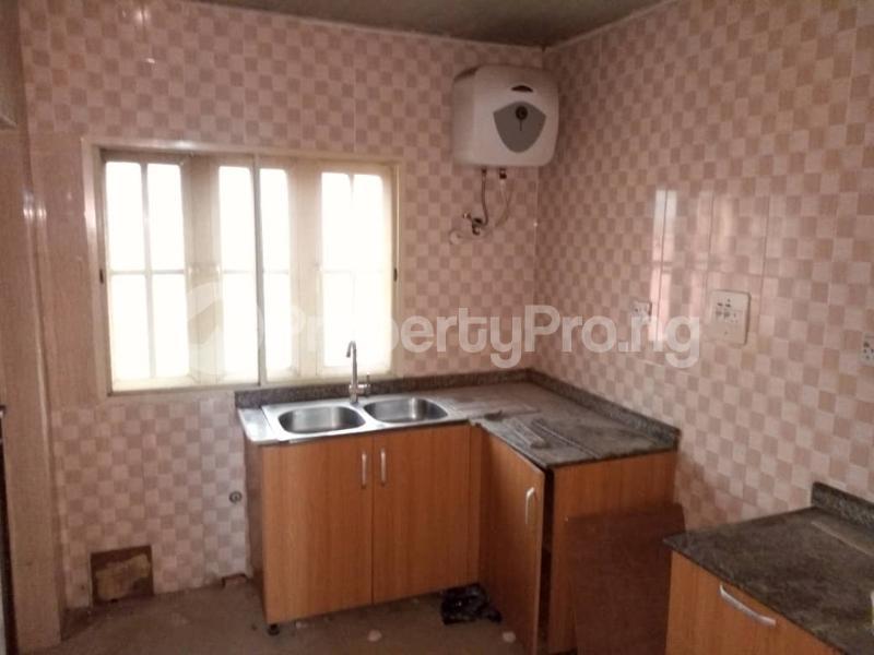 3 bedroom Flat / Apartment for rent Apata Shomolu Shomolu Lagos - 5