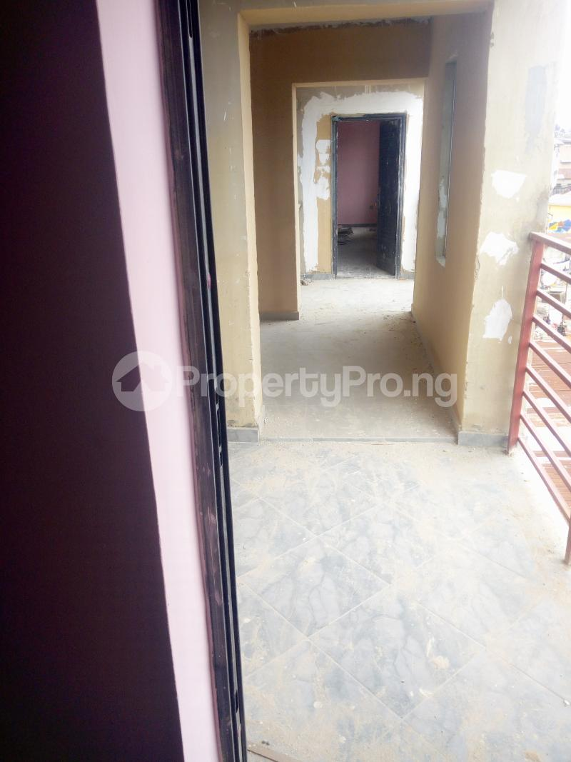 2 bedroom Flat / Apartment for rent Off pedro road  Palmgroove Shomolu Lagos - 3