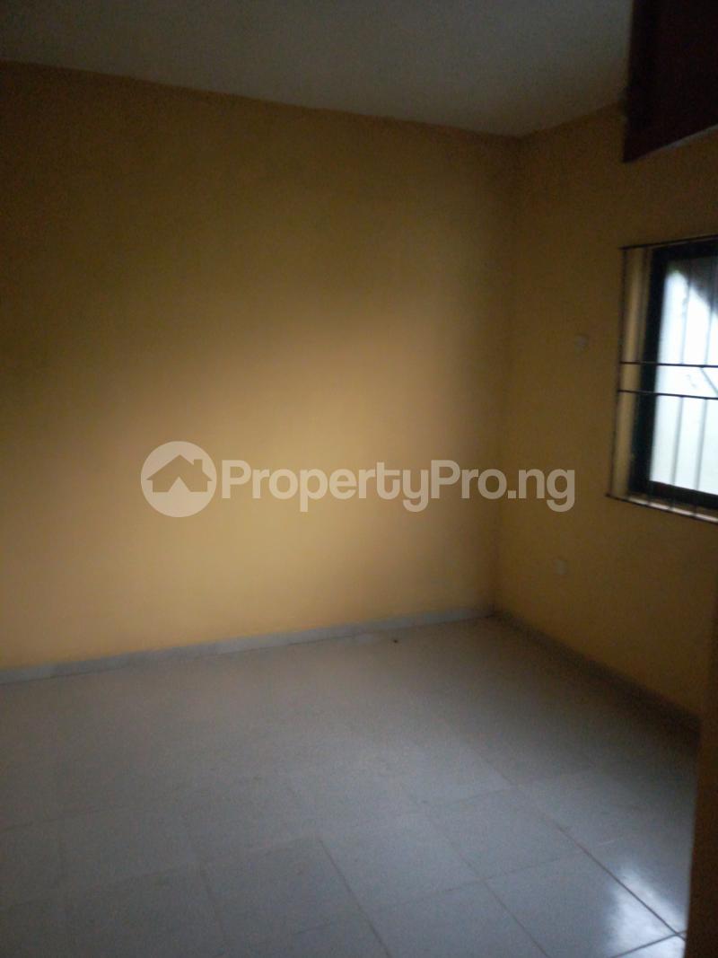3 bedroom Blocks of Flats House for rent ITSEKIRI street Ishaga Ajuwon Iju Lagos - 4