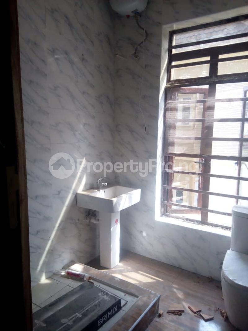 4 bedroom Detached Duplex House for sale A Newly built 4 bedroom duplex ensuit at fidelity estate GRA Enugu Enugu Enugu - 8