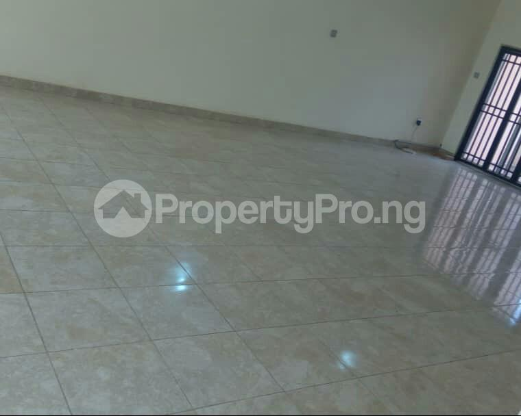 2 bedroom Flat / Apartment for sale In an  Estate, Apo,Abuja.   It's close to Brains and Hammers Estate Apo Abuja - 0