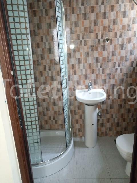 4 bedroom Semi Detached Duplex House for rent Ologolo Ologolo Lekki Lagos - 5
