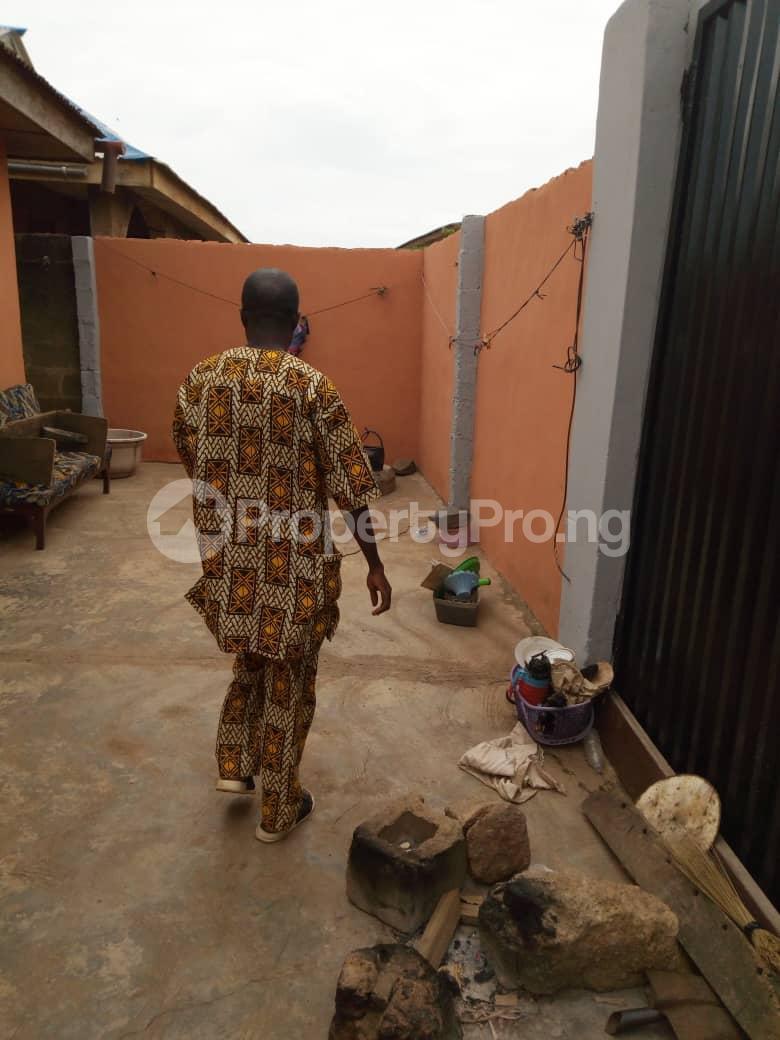 3 bedroom Detached Bungalow House for sale Isebo road Alakia Ibadan Oyo - 4