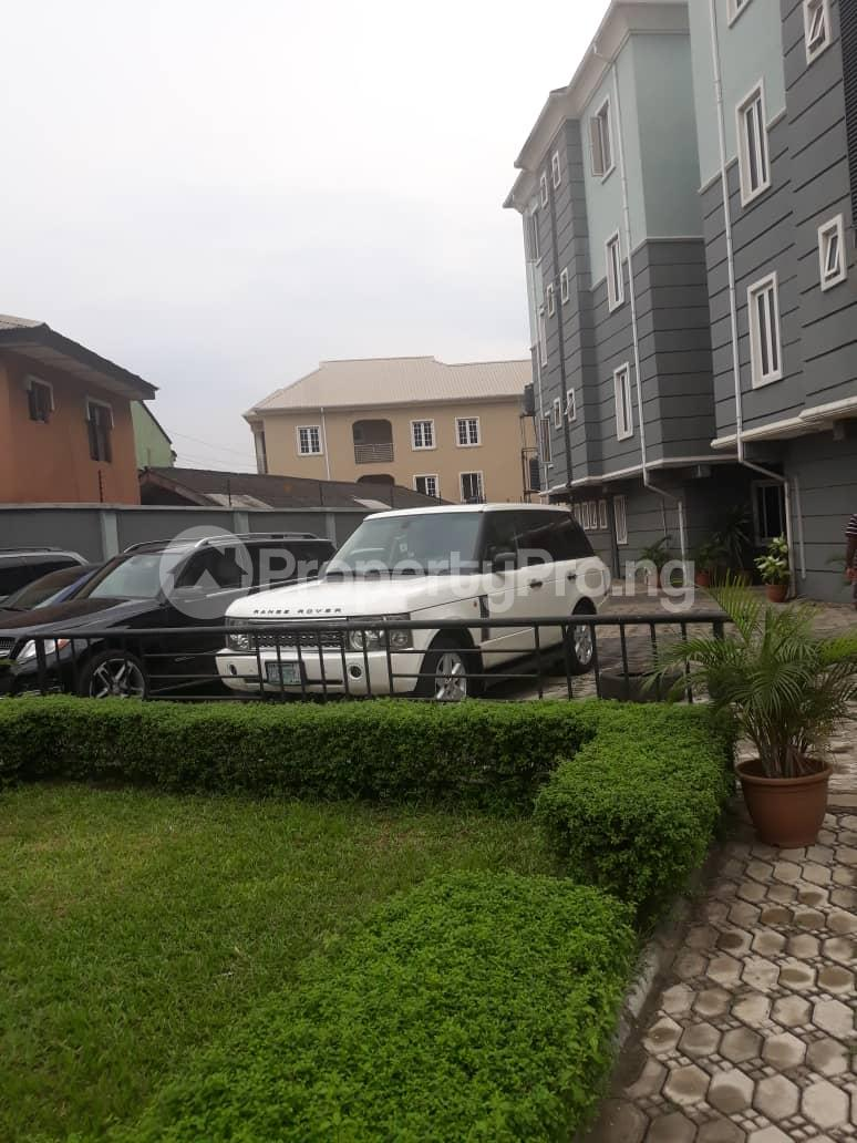 3 bedroom Flat / Apartment for rent Ajose street Mende Maryland Lagos - 11