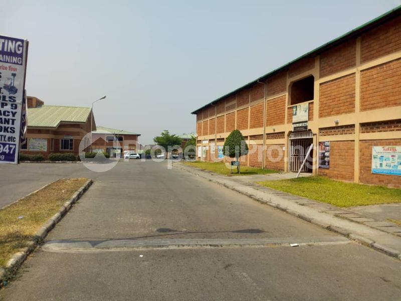 1 bedroom mini flat  Shop Commercial Property for rent Wuye by family worship Wuye Abuja - 3