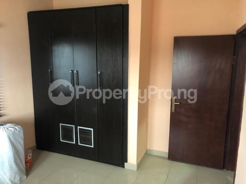 2 bedroom Flat / Apartment for sale Close to Otedola Bridge Omole phase 2 Ojodu Lagos - 3