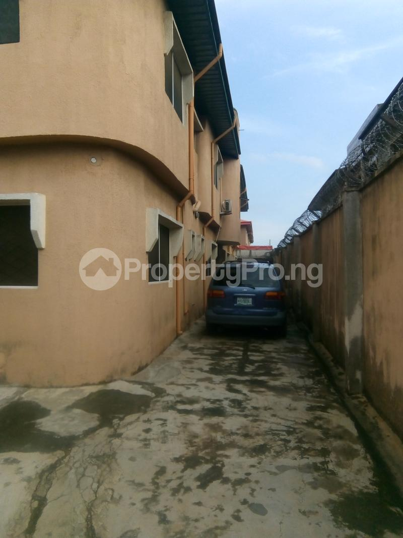 3 bedroom Shared Apartment Flat / Apartment for rent 18, Moshood Balogun Stree, Igbo-Oluwo Estate Jumofak Ikorodu Lagos - 4
