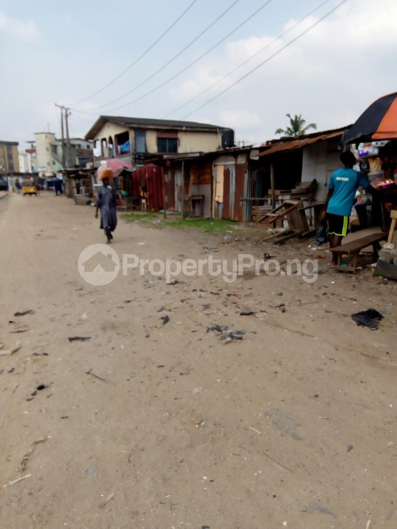 3 bedroom Blocks of Flats House for sale Eyiowuewi street off apata street  Shomolu Shomolu Lagos - 1