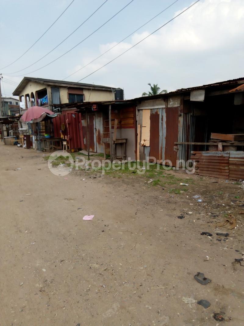 3 bedroom Blocks of Flats House for sale Eyiowuewi street off apata street  Shomolu Shomolu Lagos - 2