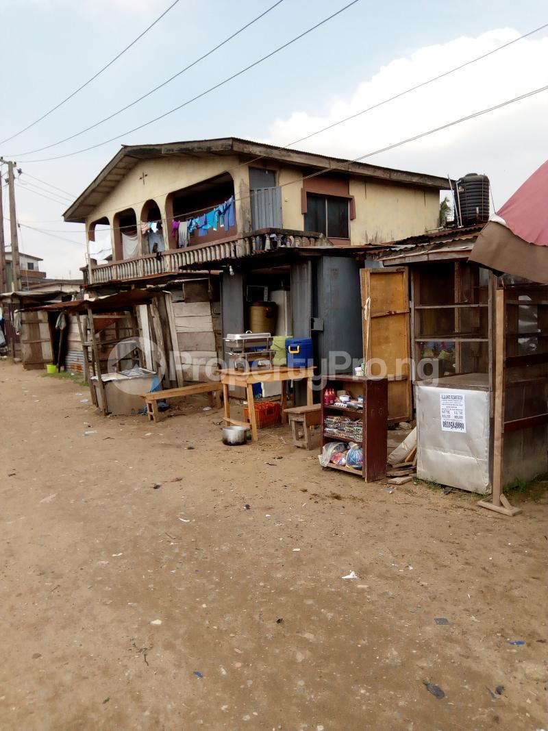 3 bedroom Blocks of Flats House for sale Eyiowuewi street off apata street  Shomolu Shomolu Lagos - 3