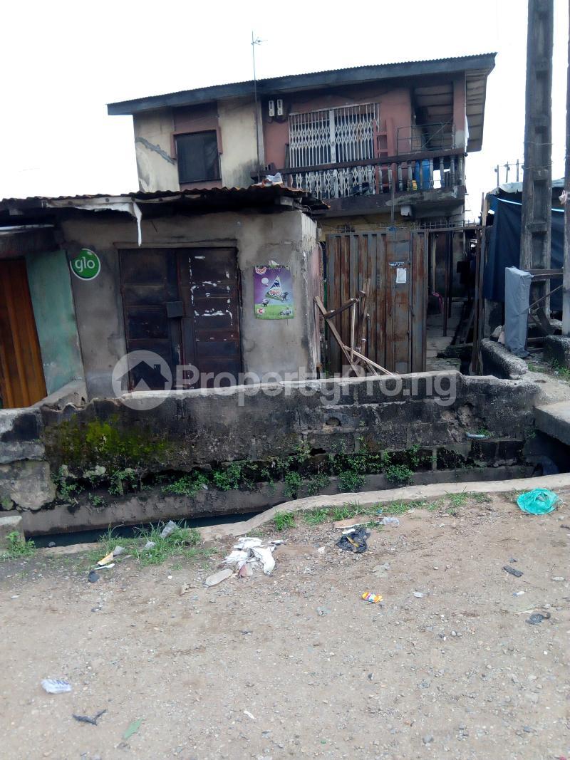 3 bedroom Blocks of Flats House for sale Eyiowuewi street off apata street  Shomolu Shomolu Lagos - 0