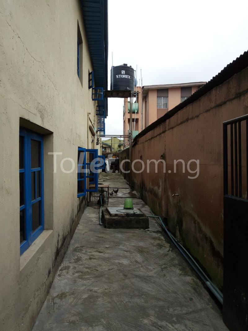 2 bedroom Commercial Property for sale sadiku street Ilasamaja Mushin Lagos - 9