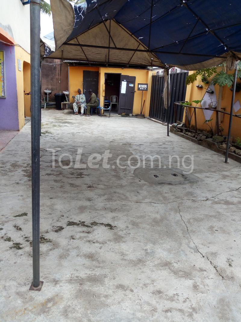 2 bedroom Commercial Property for sale sadiku street Ilasamaja Mushin Lagos - 7