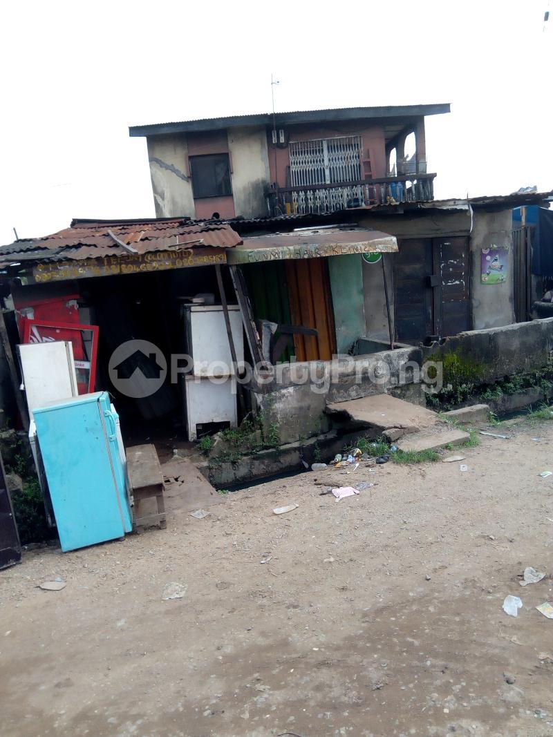 3 bedroom Blocks of Flats House for sale Eyiowuewi street off apata street  Shomolu Shomolu Lagos - 4